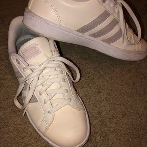 Women's size 7 Addidas cloud foam shoes